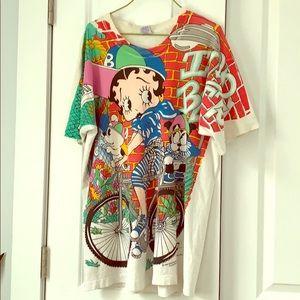 Biking Betty Boop True Vintage oversized Tshirt